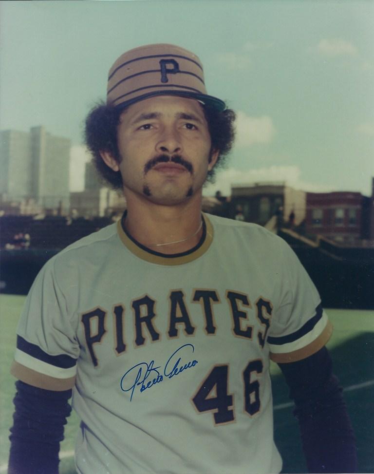 En 1977 Pittsburgh cambia a Oakland a Antonio Armas y Mitchell Page por Phil Garner y Tommy Helms. Los cuatro actuaron en la LVBP.