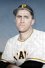 En 1952 Johnny Hetki de Navegantes del Magallanes lanzó 18 innings contra el Cervecería Caracas en juego que culminó 3-3.
