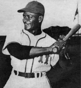 En 1953, Pedro Formental, del Habana, conectó dos triples, un doble y cinco sencillos en ocho turnos e impulsó ocho carreras para derrotar en dos juegos consecutivos a Leones del Caracas en la V Serie del Caribe.